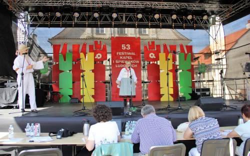 29.06.2019 r. 53. Ogólnopolski Festiwal Kapel i Śpiewaków w Kazimierzu Dolnym nad Wisłą foto. Olga Myrta (8) (Kopiowanie).JPG